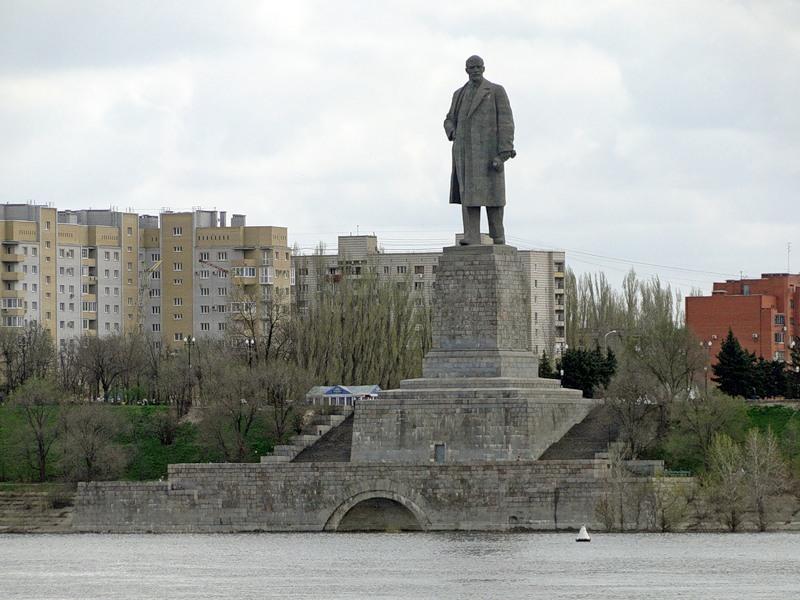 Памятники в волгограде с описанием Благовещенск памятники из красного гранита ярославль